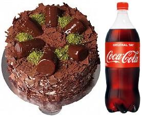 4 ve 6 Kişilik Çikolata muz yaş pasta 1 litre cola